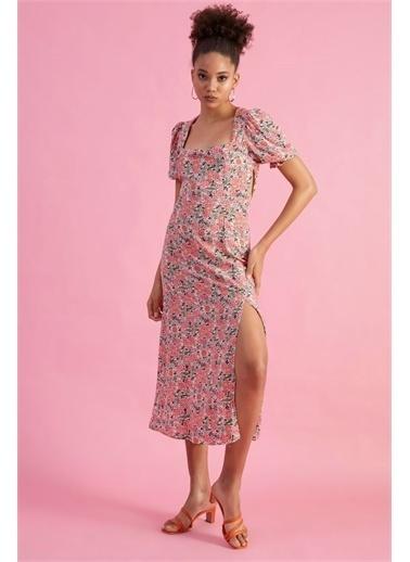 Z Giyim Kadın  Ekru  Önü Büzgüllü Yırtmaçlı Elbise Pembe